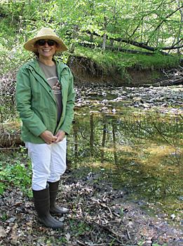 Colette Berrebi next to her stream